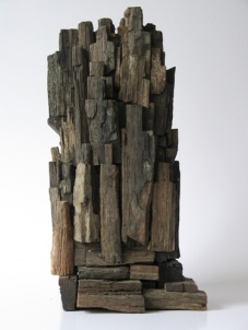 Opstand (hout hoogte ca 40 cm)